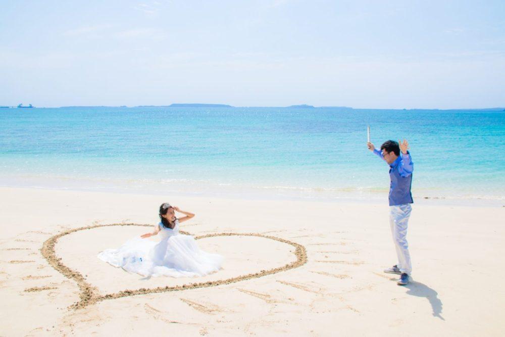 【撮影レポート】碧い海をバックにお絵描き撮影